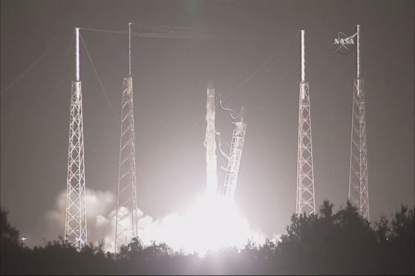 SpaceX lands Falcon 9 rocket at launch site