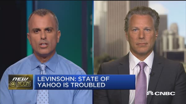 Levinsohn: Yahoo perfect bid for Verizon/AOL