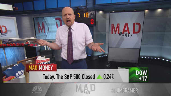 Cramer: Media exaggerating earnings season. It's not that bad!