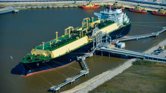 U.S.  enters natural gas market as an exporter