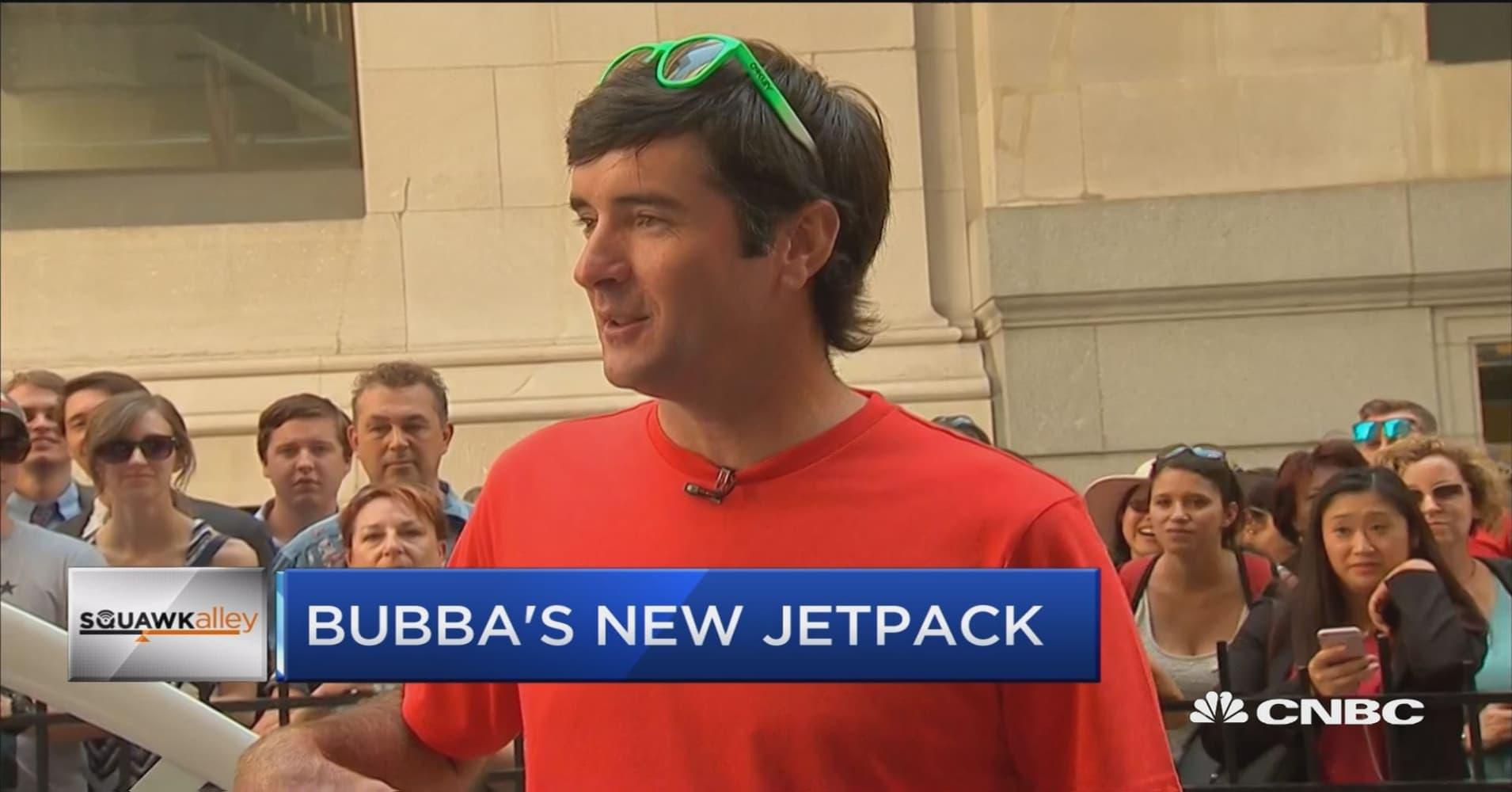 6ffc6274f6f Bubba Watson shows off jet pack golf cart