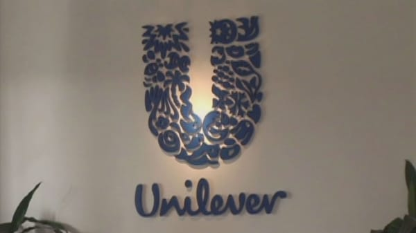 unilever buys dollar shave club co founder michael dubin to remain ceo