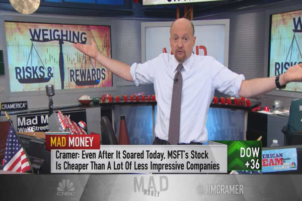 Cramer: Risks for Facebook, Amazon or Microsoft in an overheated market
