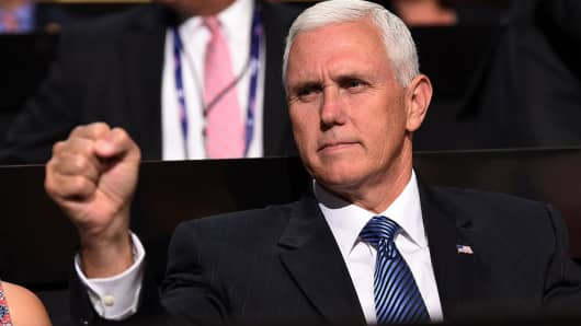 GOP VP nominee Mike Pence: Democrats, media 'helpless' to ...
