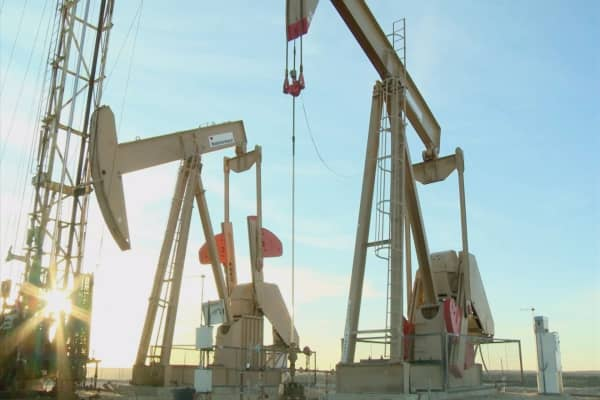 Oil prices fall on oversupply worries
