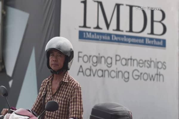 Singapore uncovers lapses in banks tied to 1MDB scandal