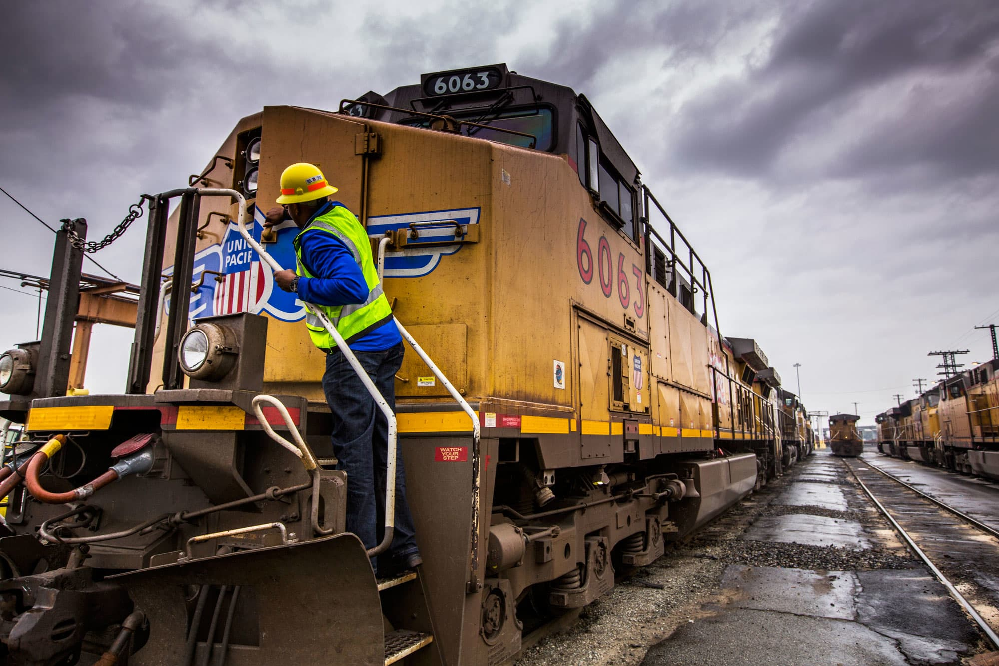 Union pacific ceo says hes optimistic about trump and trade biocorpaavc