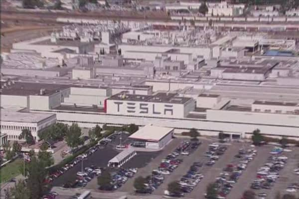 Tesla and Solarcity inch close to merger deal