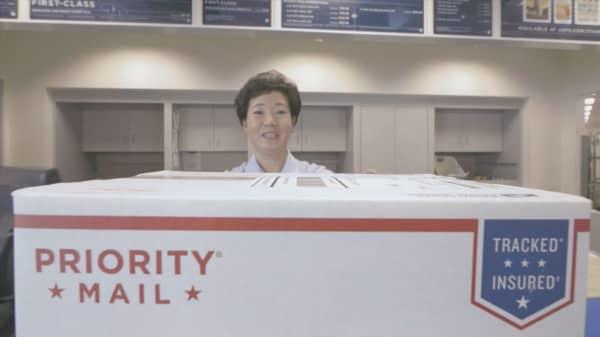 Hillary Clinton wants to make US Postal Service a bank