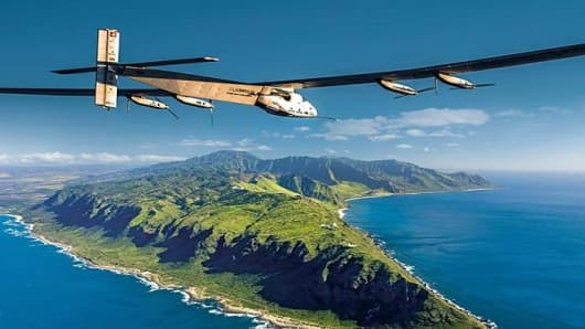 This plane just ended its round-the-world trip—without fuel