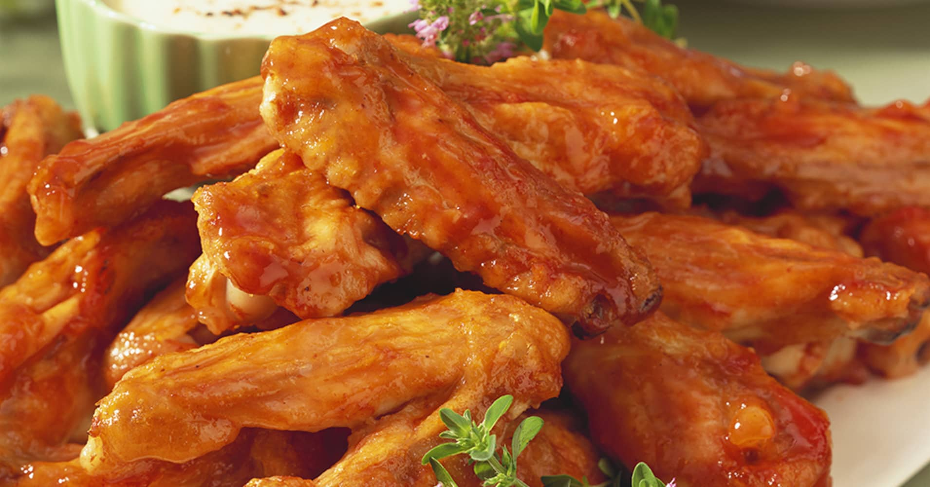 Here\u0027s where to get free wings on National Chicken Wing Day