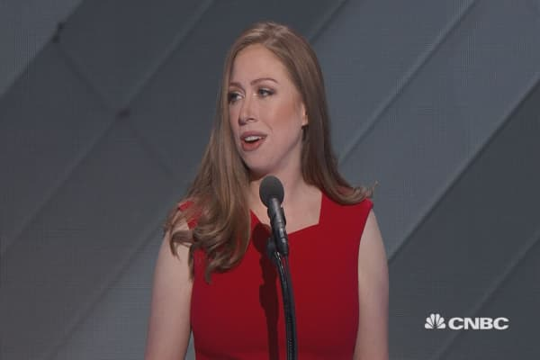 Chelsea Clinton: Hillary 'never, ever forgets who she's fighting for'