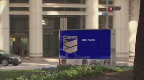 Chevron posts third straight quarterly loss