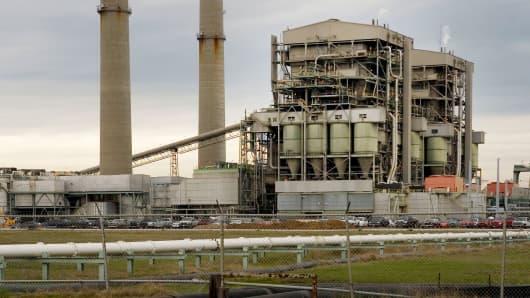 Electrical supplier TXU's Big Brown electrical plant sits near Fairfield, Texas.