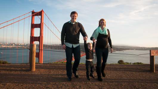 Family leave slider, California, Golden Gate Bridge