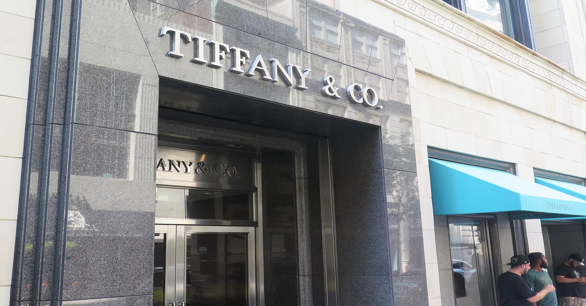 Tiffany vacation quarter outcomes beat estimates