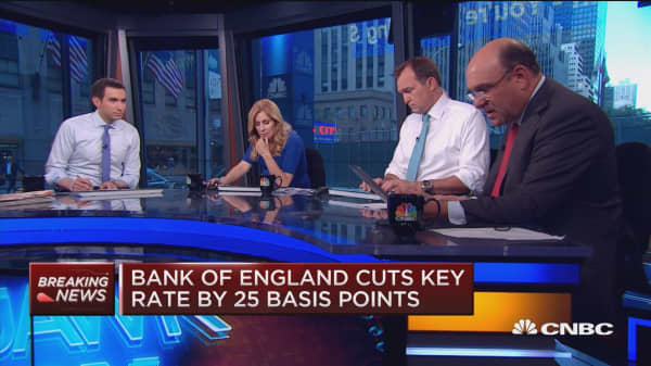 Bank of England cuts key rate by 25 bp
