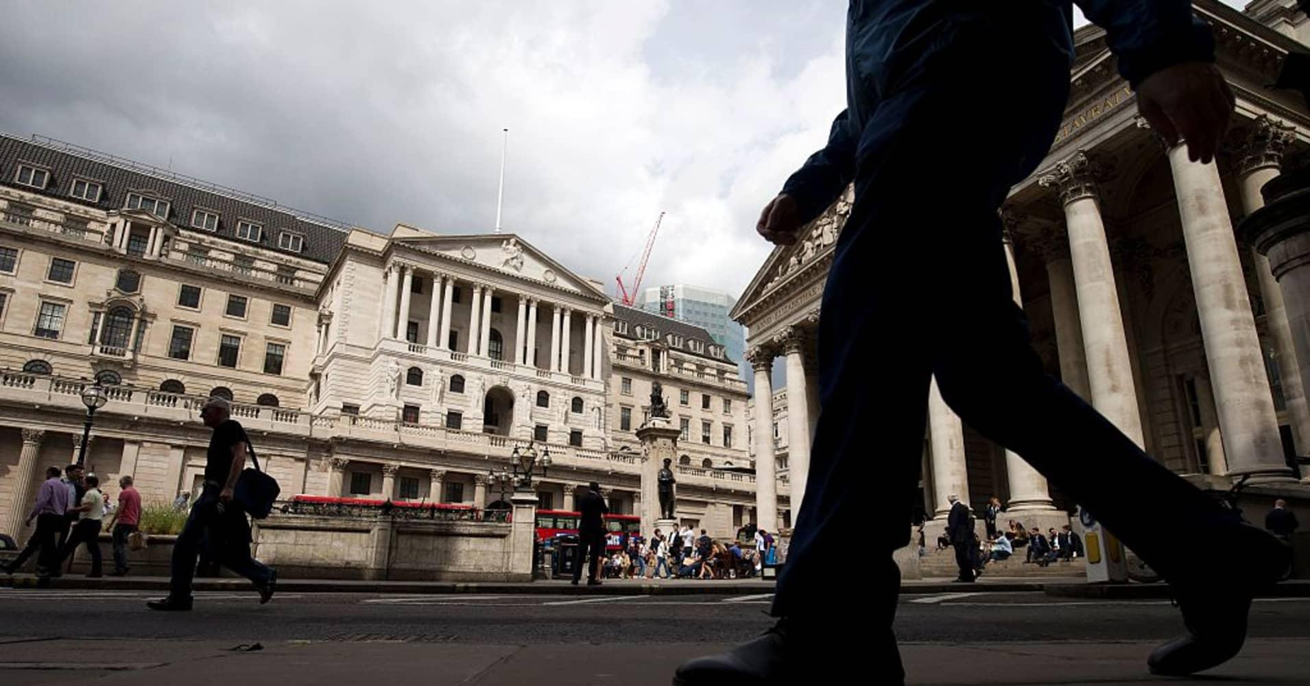 European stocks climb; Bank of England holds rates