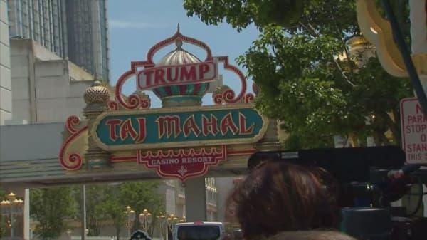 Carl Icahn can benefit from his Taj Mahal casino fail