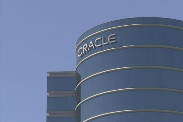 Hackers breach Oracle's payments network