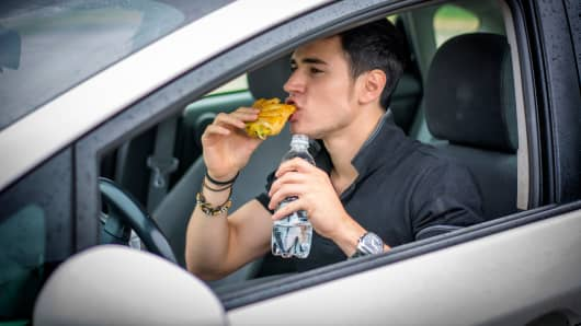 New Jersey could ban drivers from eating and drinking while behind the wheel.