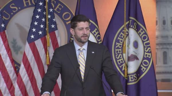 Paul Ryan easily wins GOP primary