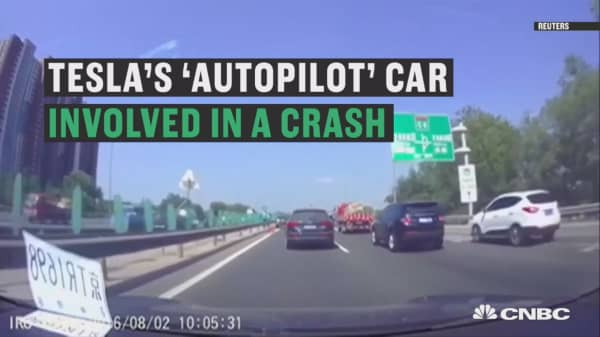 Tesla's autopilot car in crash