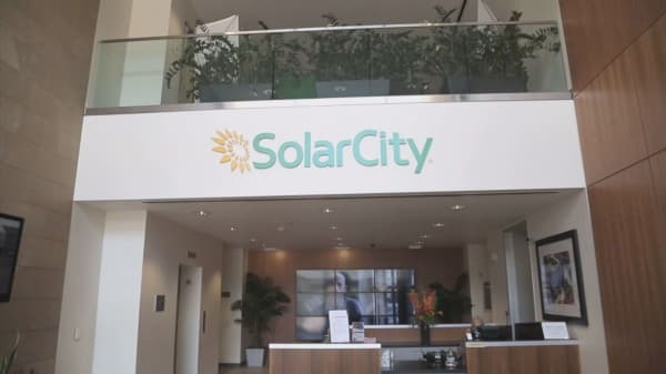 SolarCity wants to sell high-tech roofs