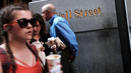 Wall Street pedestrians