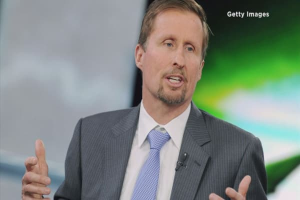 SunPower CEO voluntarily cuts his salary to just $1