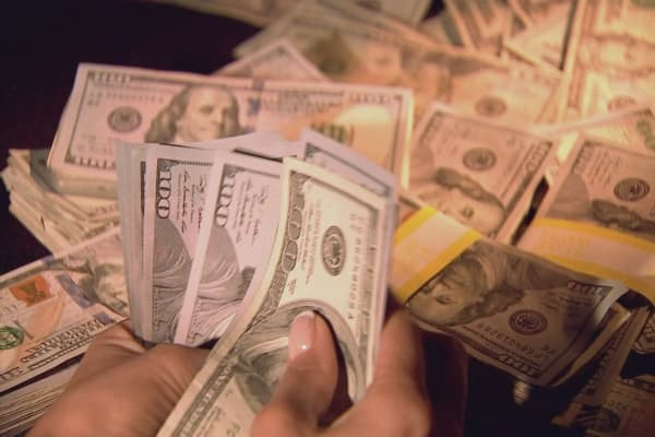 Billionaires holding $1.7T in cash