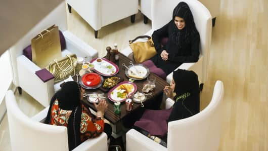 Women at a restaurant in Jumeirah Emirates Towers