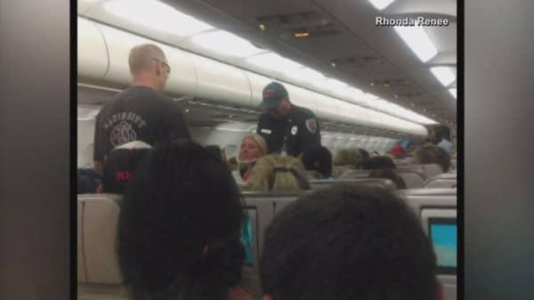 JetBlue flight forced to make emergency landing