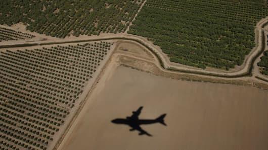 A flight over California crops