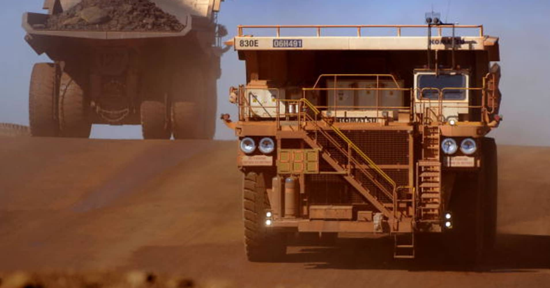 Rising costs, trade tensions weigh on shares of BHP