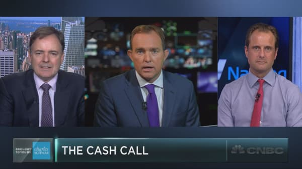 Camp out in cash: Strategist Larry McDonald