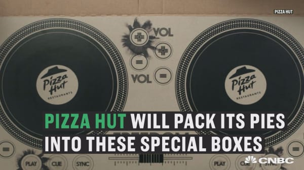 Pizza Hut unveils world's first playable DJ pizza box