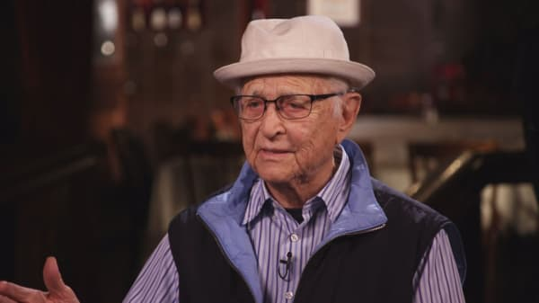 TV icon Norman Lear: This is the problem with binge watching