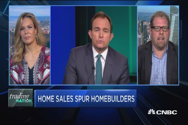 Home sales spur homebuilders