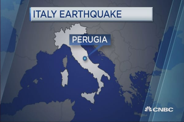 Strong earthquake strikes central Italy