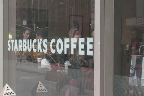California judge dismisses Starbucks iced drinks case