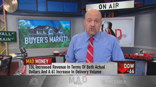 Cramer: Where to stash cash if rates go up in September