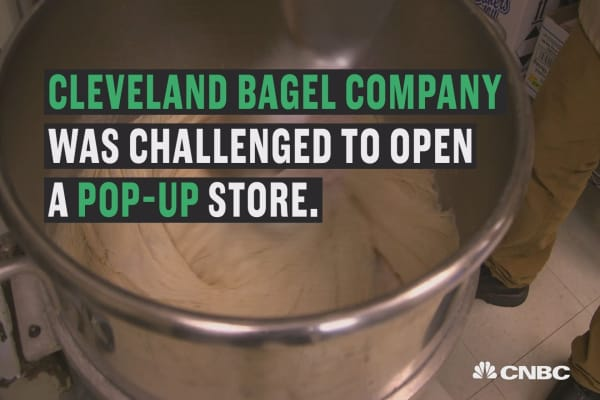 Watch these guys make big money with bagels