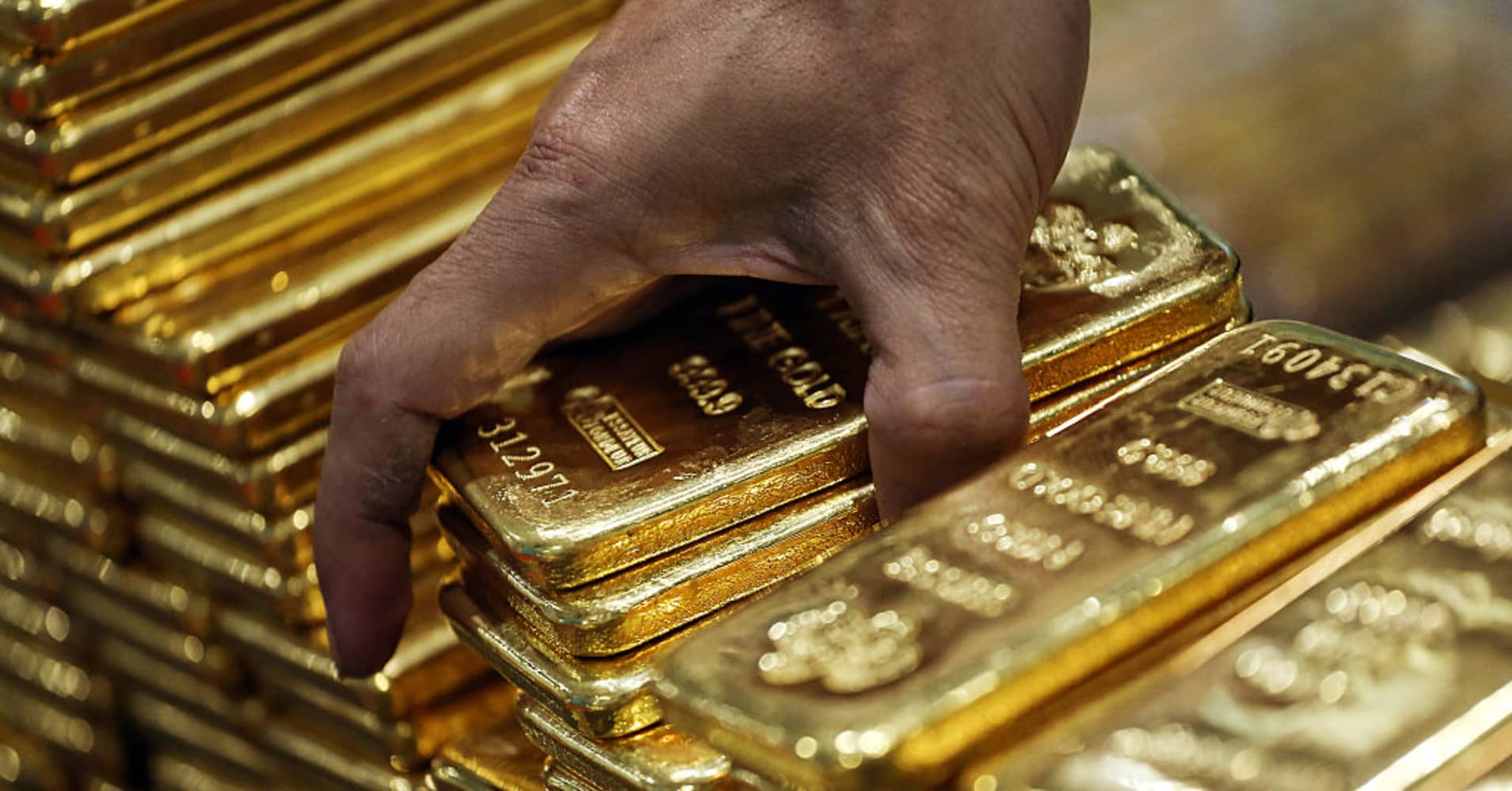 Gold pushes to 1200 and a much scarier world could keep it there buycottarizona
