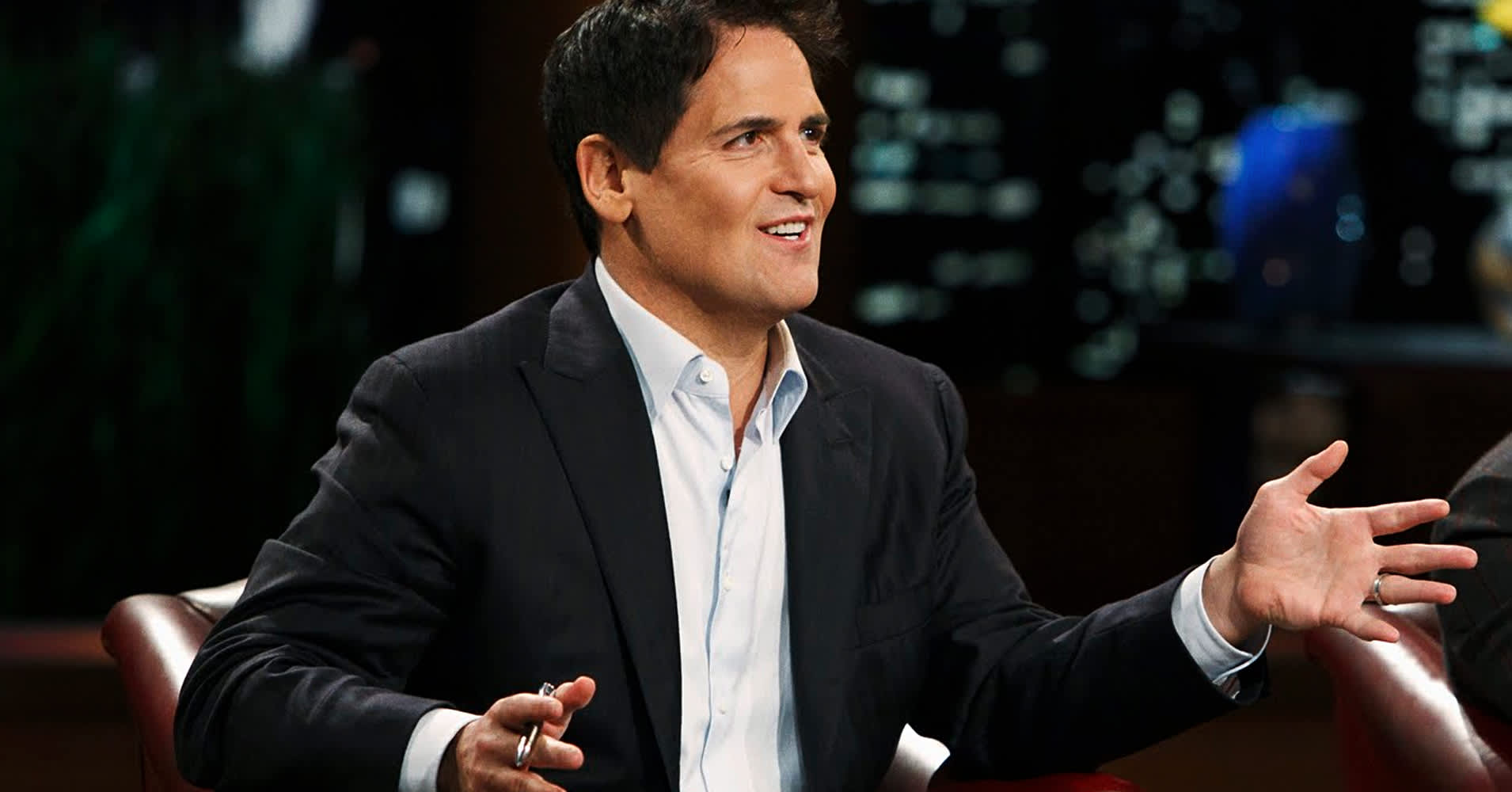 https://fm.cnbc.com/applications/cnbc.com/resources/img/editorial/2016/08/26/103896054-sharktank-cuban-bio-photo-v2-1910x1000.1910x1000.jpg
