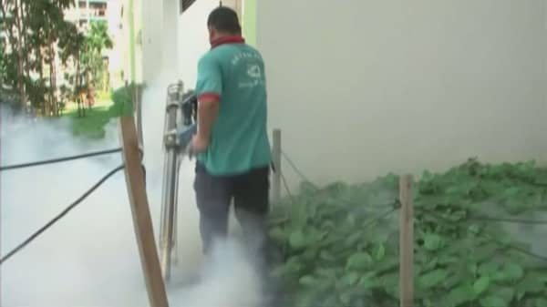 Zika cases in Singapore force countries to issue travel advisories