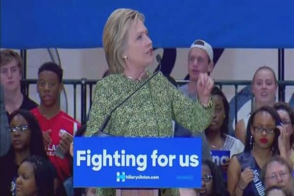 Hillary Clinton unveils plan to improve mental health services