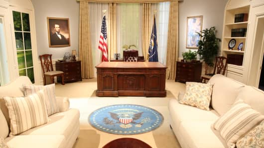 YouTube Election set of the Oval Office