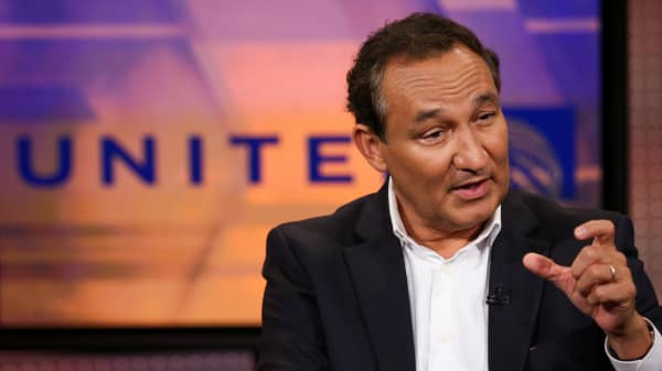 Oscar Munoz, CEO of United Airlines.
