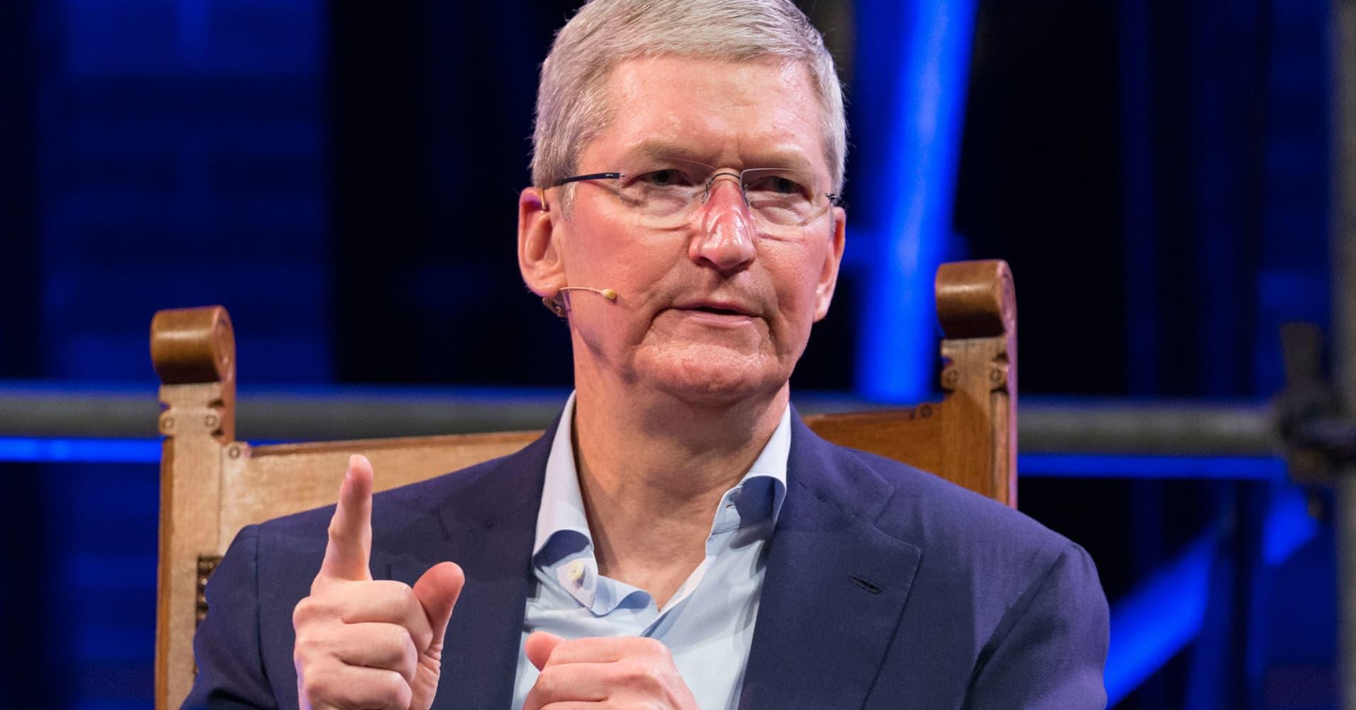 Apple, bellwether for technology stocks across Wall Street, falls into bear market territory